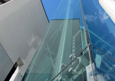Stiklo tvirtinimo elementai
